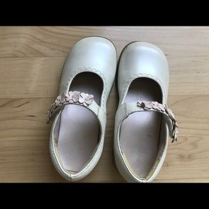 Stride rite girls dress shoes,pearly white